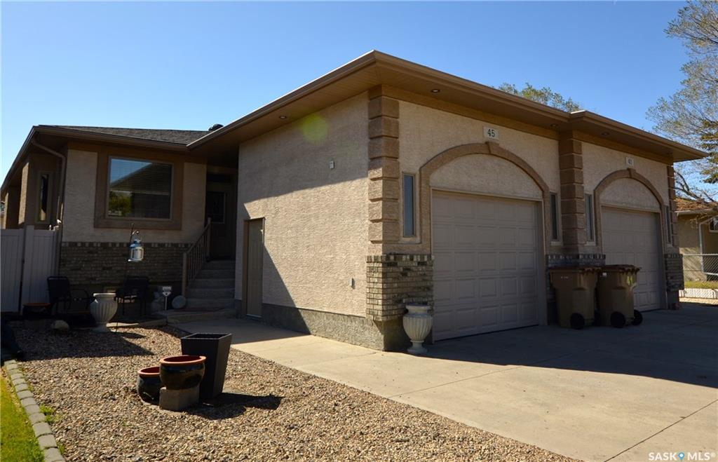 45 Wakefield Crescent, 3 bed, 3 bath, at $390,000